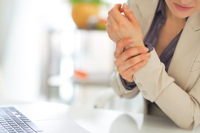 A hot bath can decrease joint pain