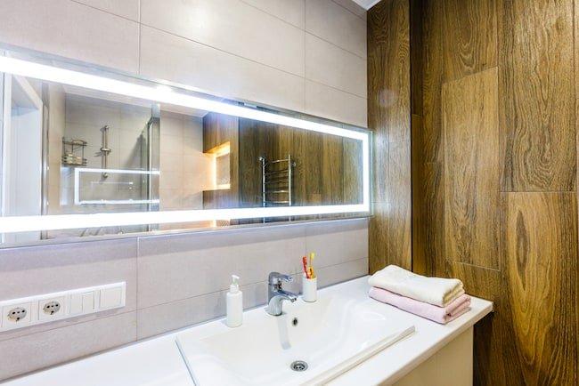 Does A Bathroom Vanity Need A Backsplash The Bathtubber